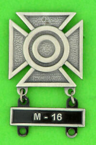 Army-Sharpshooter-Marksmanship-Badge-with-M-16-Qualification-Attachment-Bar