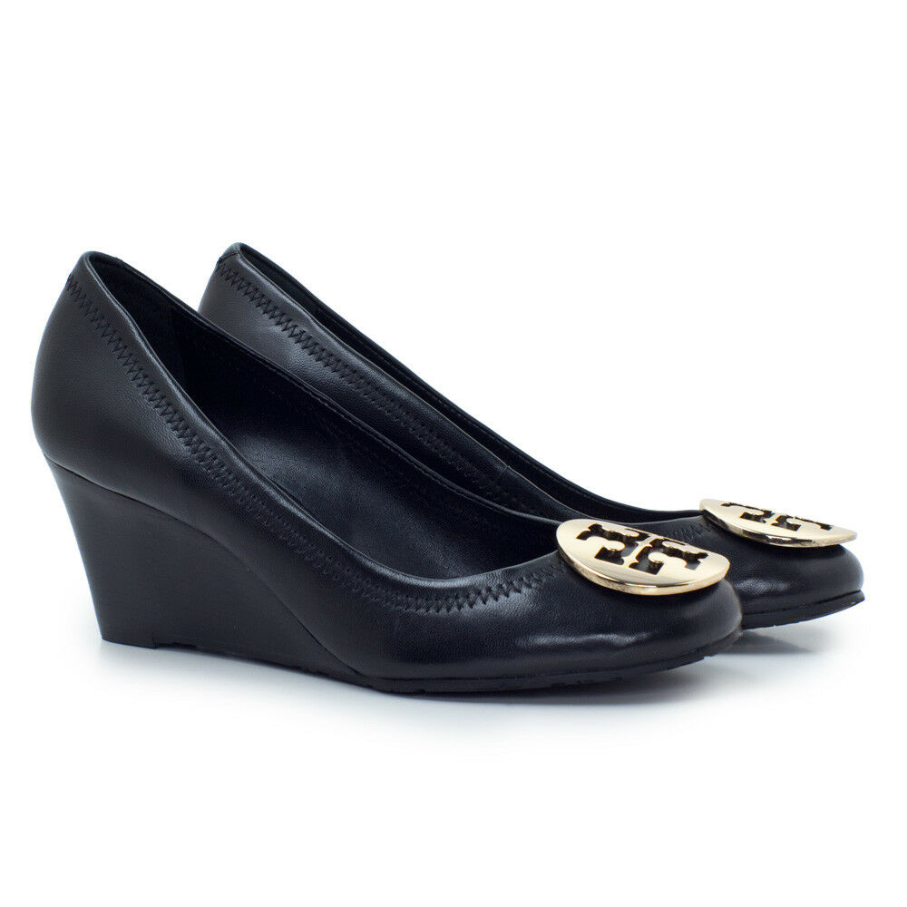 265 Tory Burch Logo Wedge Pump Sally Closed Toe shoes Leather Black gold size 8