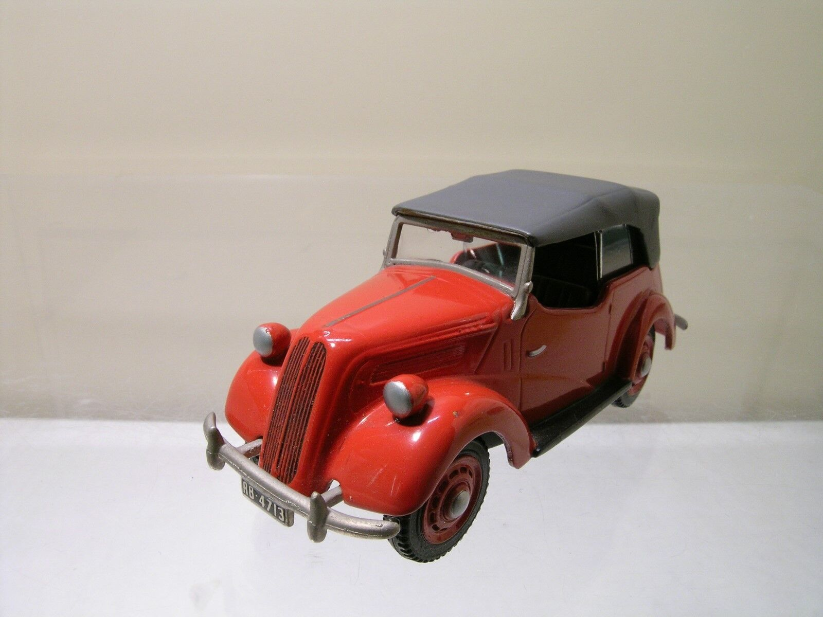 SOMERVILLE MODELS 117A FORD ANGLIA TOURER COLOUR rouge gris HANDBUILT SCALE 1 43