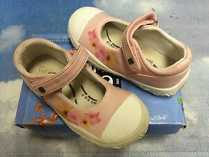 NOEL Pink Leather Floral Hook & Loop Mary Janes Size 27 / US Toddler Size 10.5