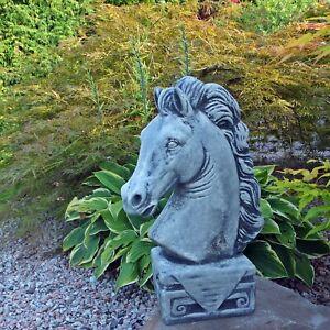 Steinfigur Tierfiguren Pferdekopf grau patiniert