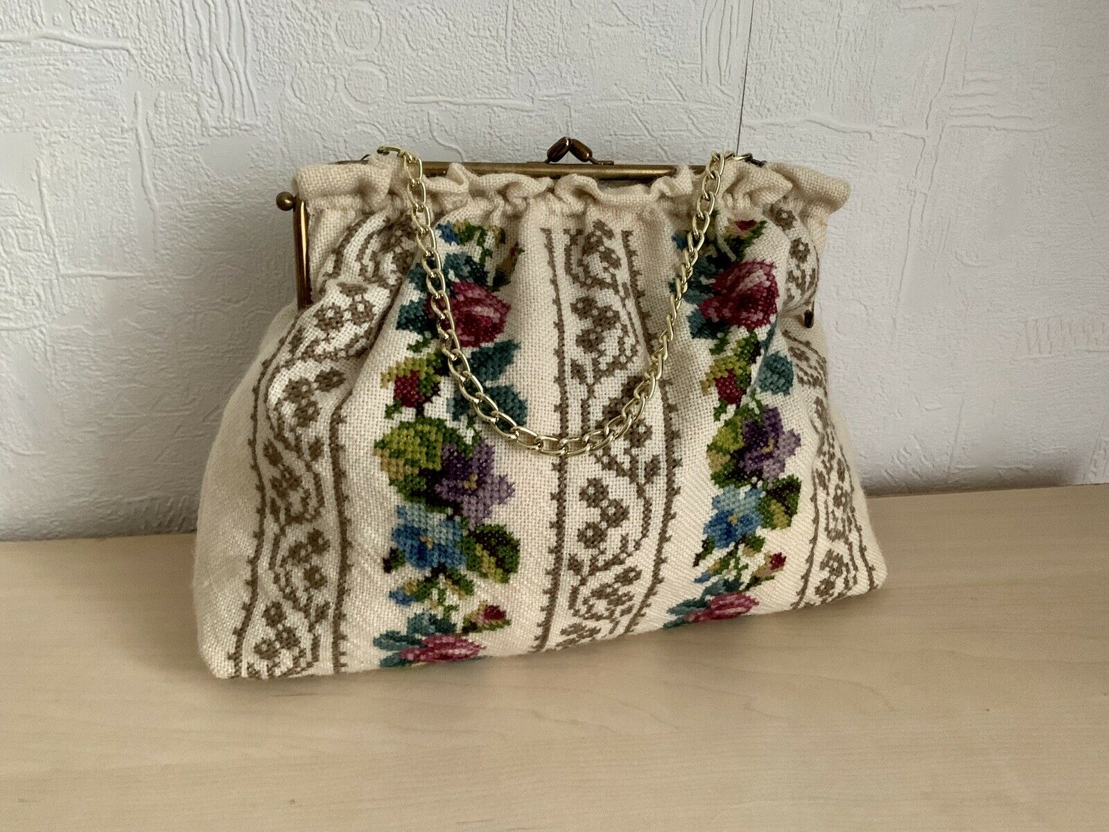 vintage handmade bag embroidery on a lining chain with a lock 9*13 inch