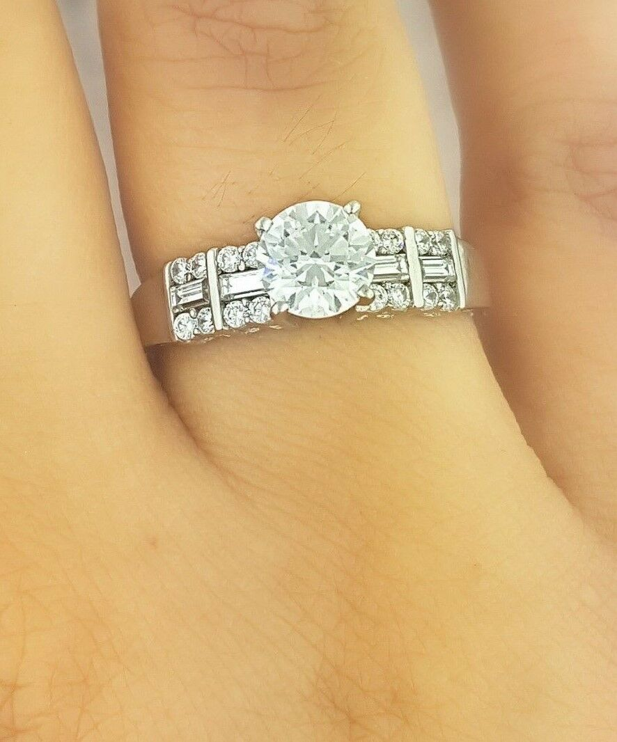 14K White gold 1 Ct Solitaire Diamond Engagement Ring Round & Baguette