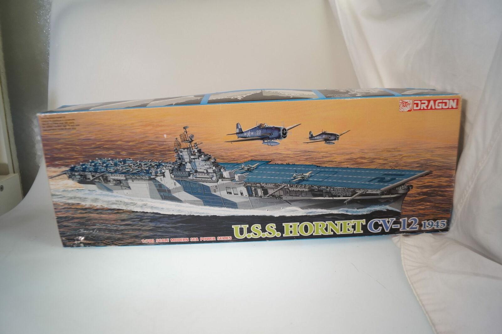 7085 Dragon  1 700 Uss Hornet 1945, Nuovo   Conf. Orig.  elementi di novità