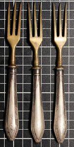 Vintage-800-Silver-Sterling-Handle-Strawberry-Set-of-3-Forks-Brass-Flat-ware