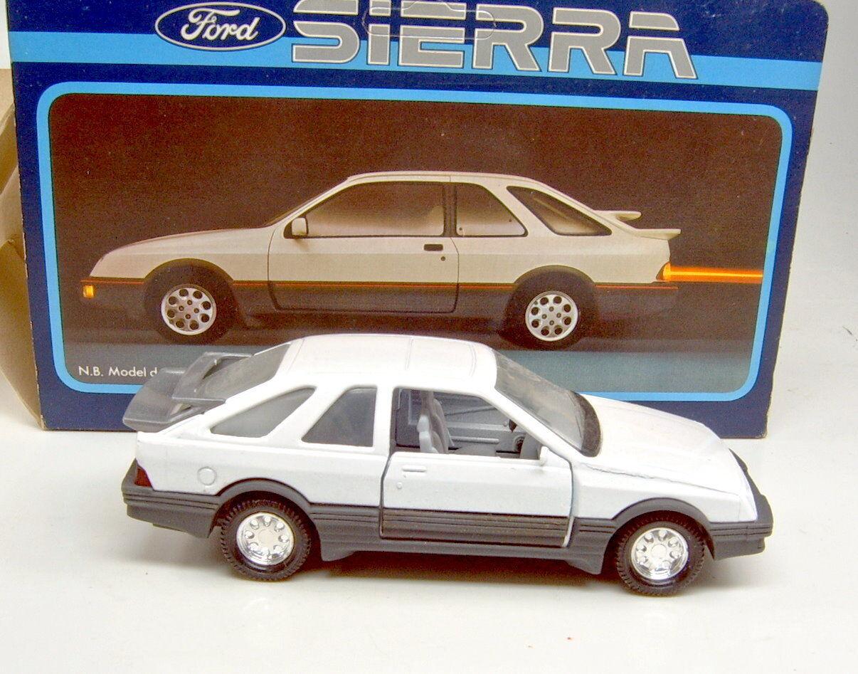 MatchBox Superking K-100 Ford Sierra weiß top in  Sierra  Box Made in England