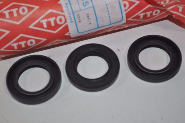 CR Oil Seal 2 - NEW P//N: 9876 Lot of Two