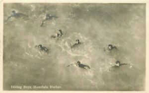 Diving-Boys-Honolulu-Hawaii-Paradise-1920s-RPPC-Photo-Postcard-20-2601