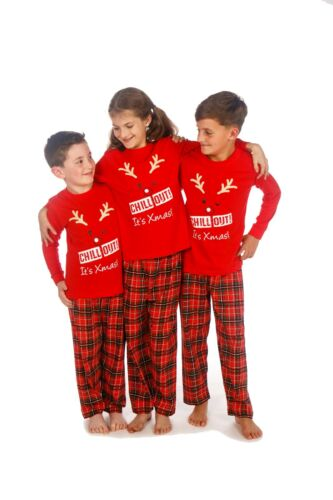 Family Matching Christmas Pyjamas Set Dad Mum and Kids /'Chill Out Its Xmas/'