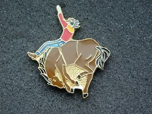 VINTAGE-METAL-PIN-COWBOY-RIDING-BUCKING-BRONCO-HORSE