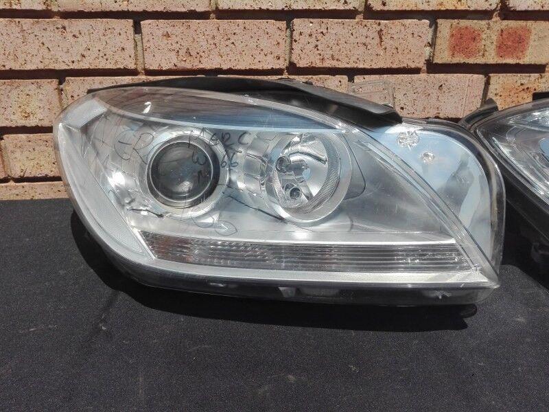 Mercedes Benz ML w166 Non Xenon Right Headlight