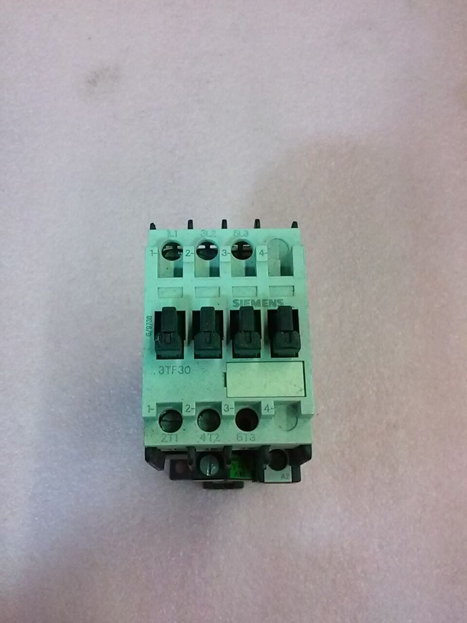 SIEMENS 3TF30 MOTOR STARTER CONTACTOR 3TF3000-0B 24VDC COIL 20A 600VAC
