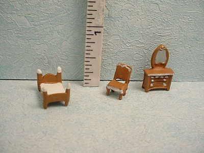 Dollhouse Miniature DH/DH Bedroom Set -#1170 - 144th Scale