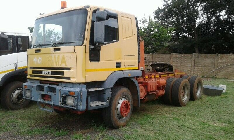 Iveco 720E42 Horse with Winch