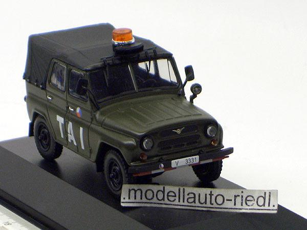 Est 047 IXO 1 43 uaz 469 Czechoslovakia AIRFIELD Army 2003 militaire CZ