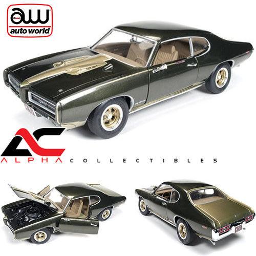 AUTOWORLD AMM1042 1 18 1969 PONTIAC GTO  (ROYAL BOBCAT) DIECAST CAR