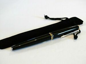 MONTBLANC-221-FOUNTAIN-PEN-IN-BLACK-WITH-GOLD-TRIM-amp-14K-SOLID-GOLD-NIB-MINT