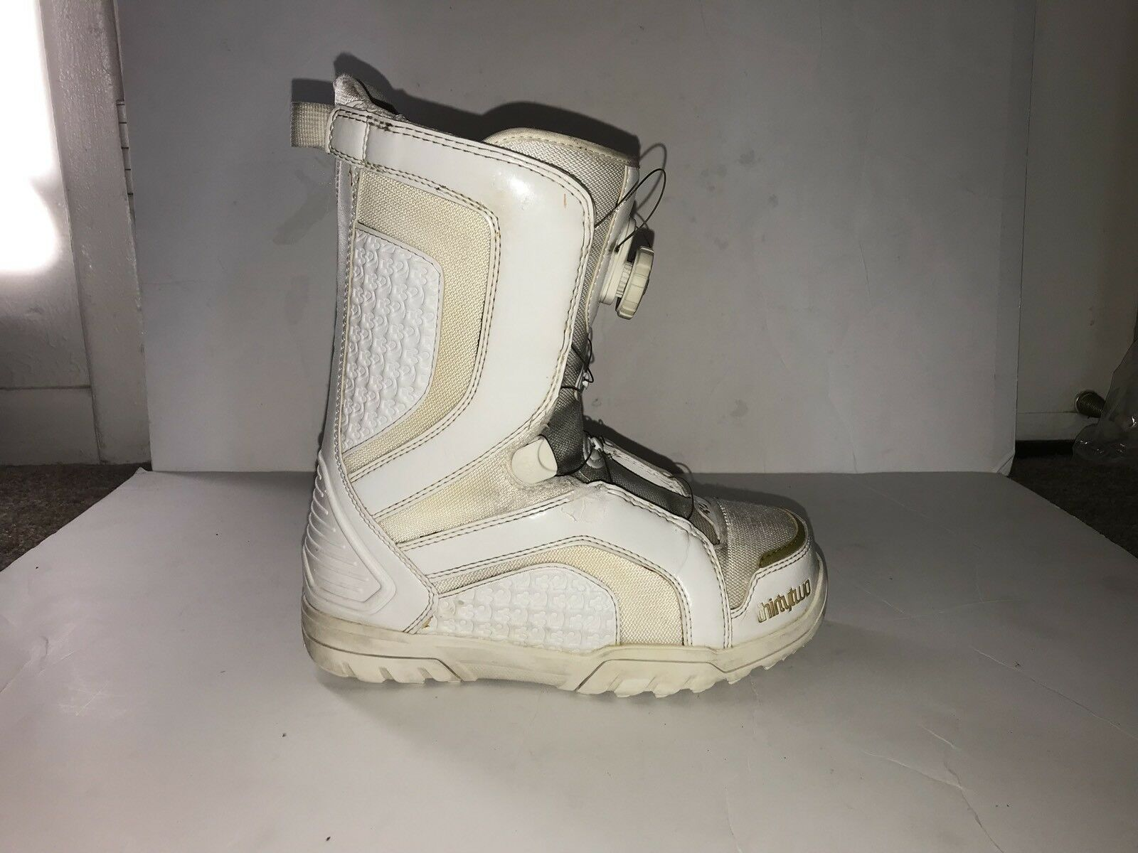 Thirty two stw boa  women's 8.5 white snowboard boots  outlet