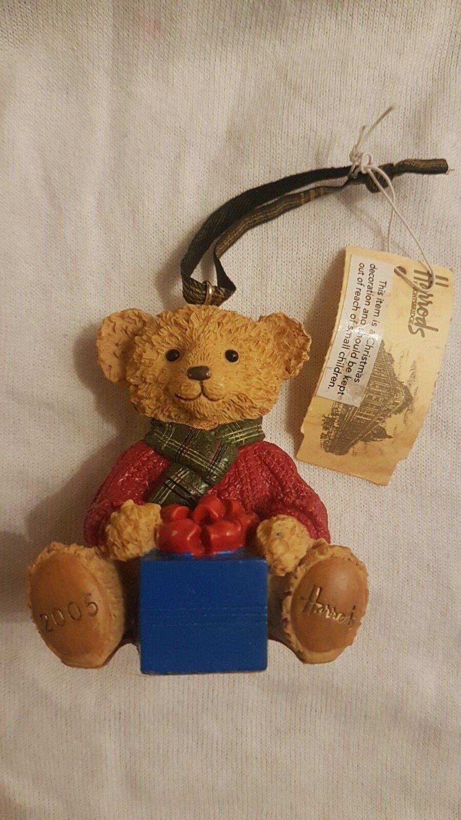 BN Harrods Resin Bear Christmas 2005 - Nicholas