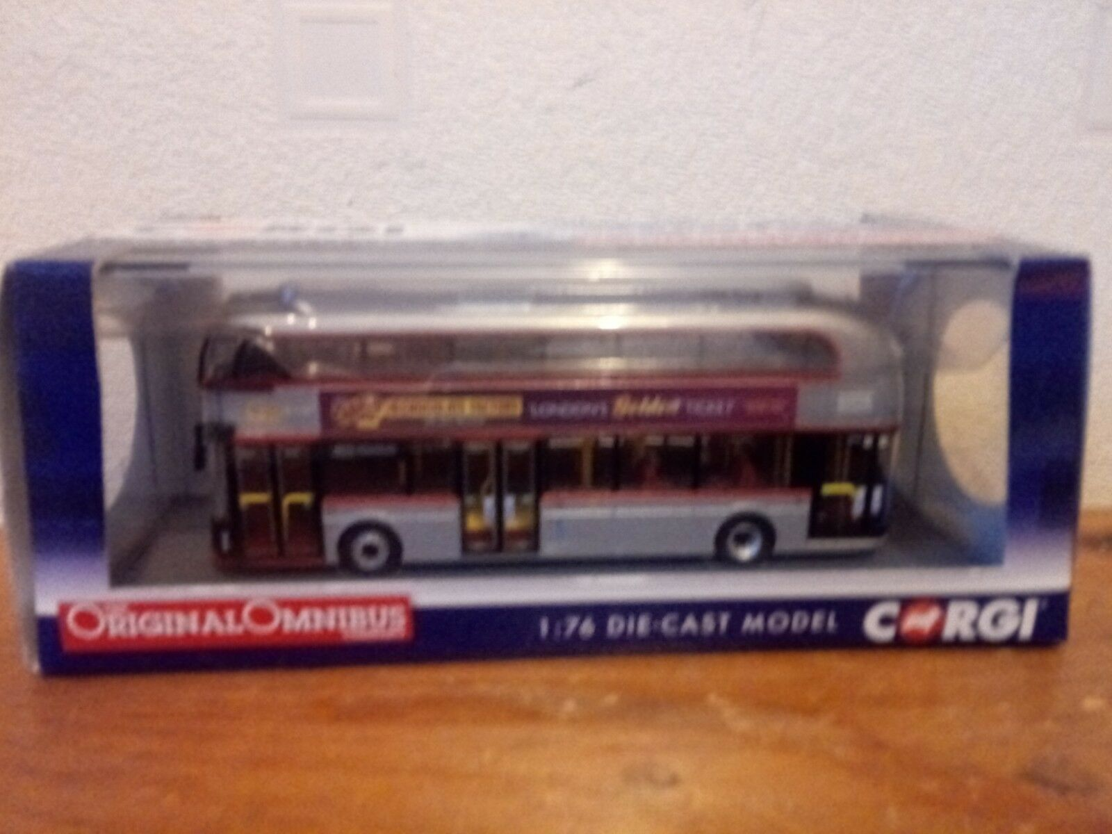 CORGI  OM46614A  NEW BUS FOR LONDON  BUS