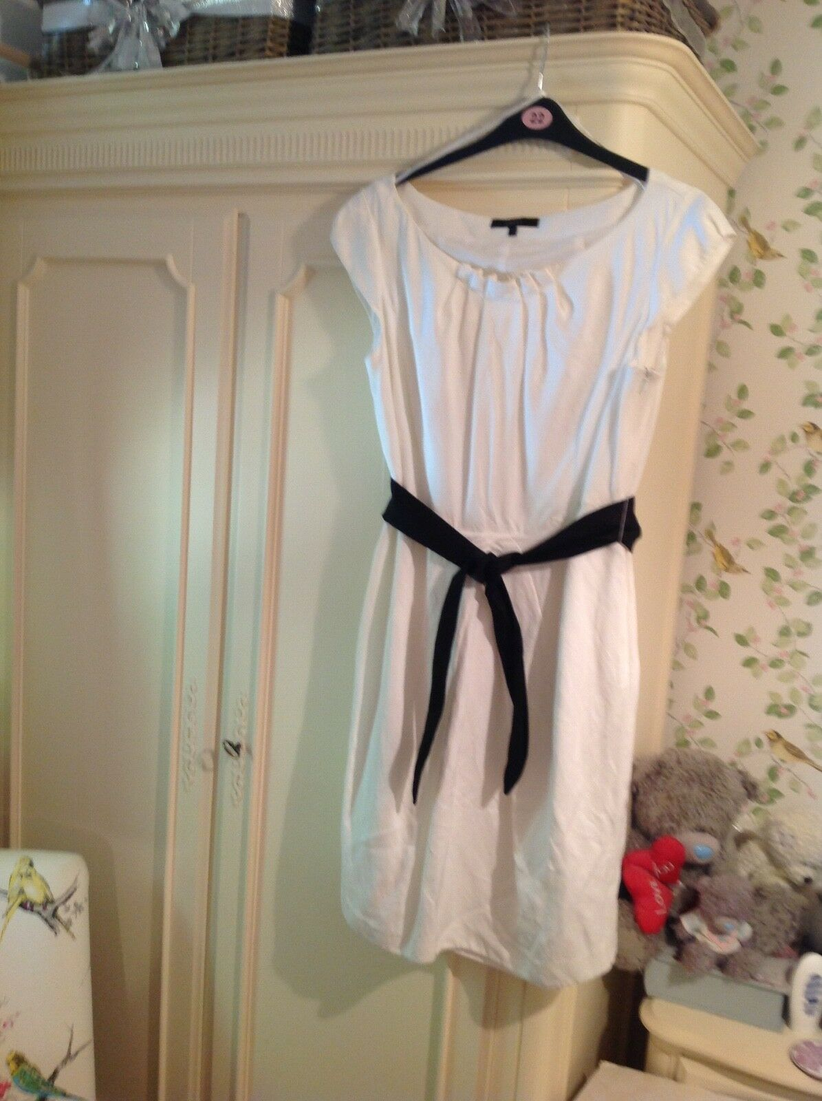 Coast Coast Coast dress white.  size 18 a35217