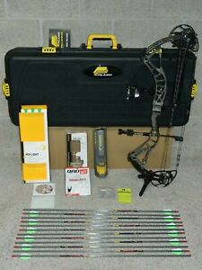 """Loaded Bowtech Realm SR6 Bow Package - 50 to 60 lb, 25.5 to 30"""" DL- Right Handed"""