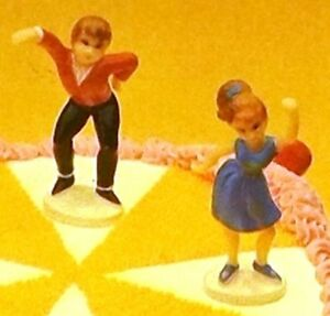 Wilton-Cake-Tops-Teen-Swingers-Cake-Cupcake-Topper-Boy-amp-Girl-Dancing-VTG-NOS