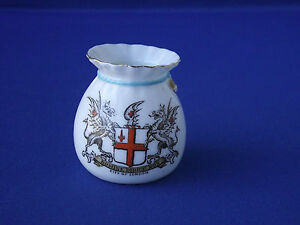 W-H-Goss-Crested-China-Pot-Bag-Purse-String-City-of-London-Domine-Dirice-Nos