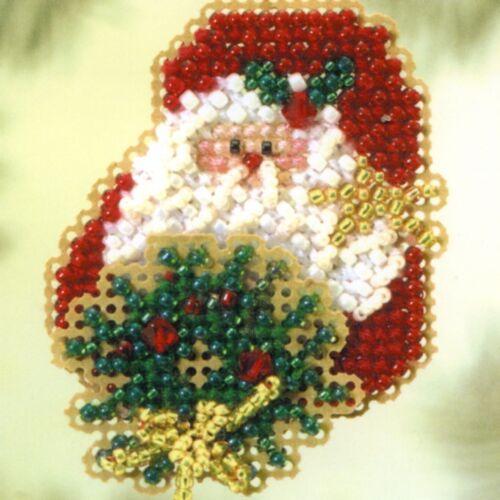 Kringle Wreath Beaded Ornament Kit Mill Hill 2005 Winter Holiday