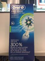 Oral-B Pro 1000 CrossAction Rechargeable Toothbrush  Mississauga / Peel Region Toronto (GTA) Preview