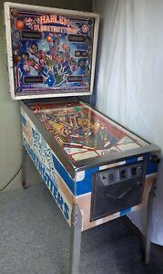 Harlem Globetrotters Pinball Machine from Bally