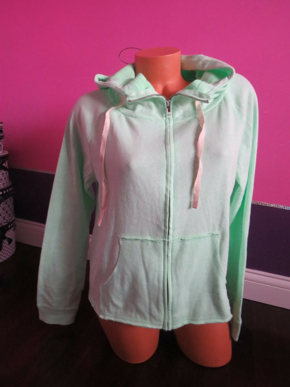 New      Victoria's Secret   SOFT GREEN  Hoodie SIZE Small 516900