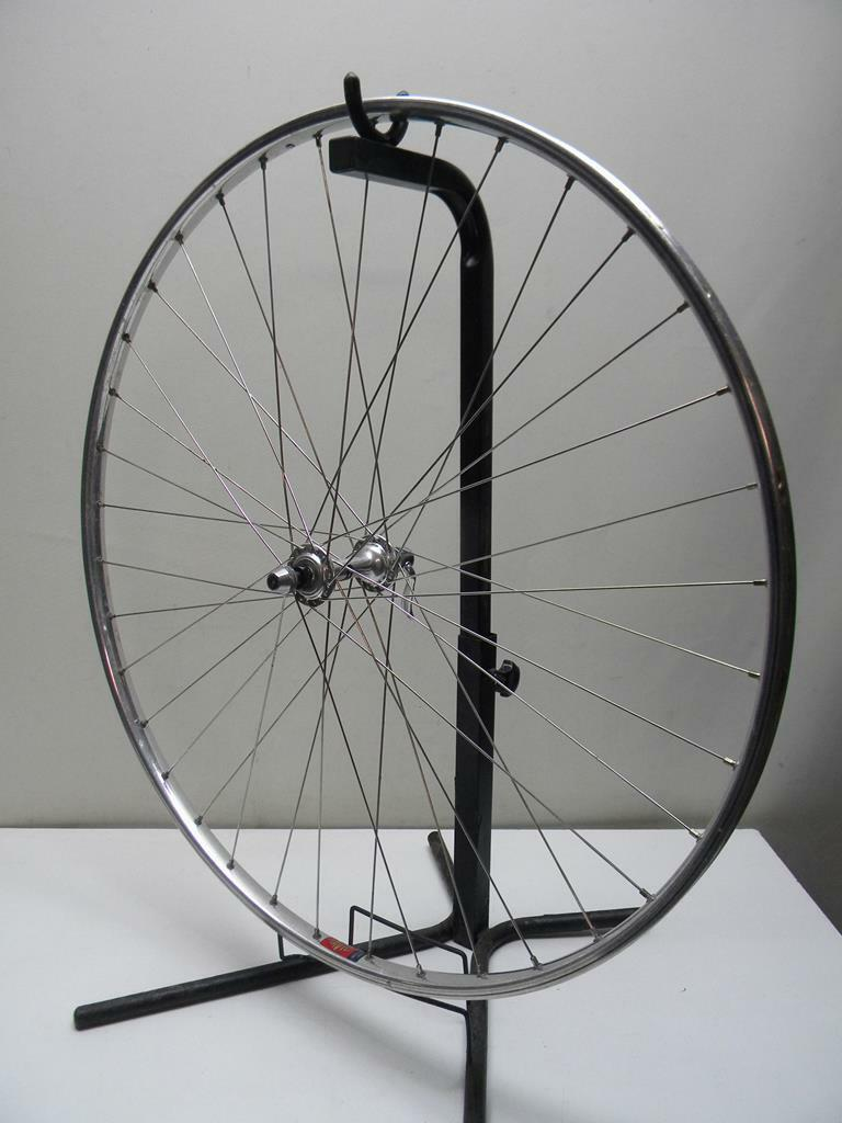 Vintage Mavic Monthlery Route Front Wheel Shimano Hub (W28)