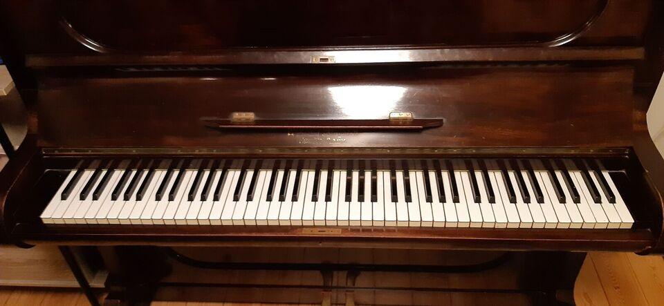 Klaver, andet mærke, Roerslev Margaard