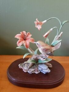 HOMCO-Masterpiece-Field-Wren-Porcelain-bird-Figurine-1993