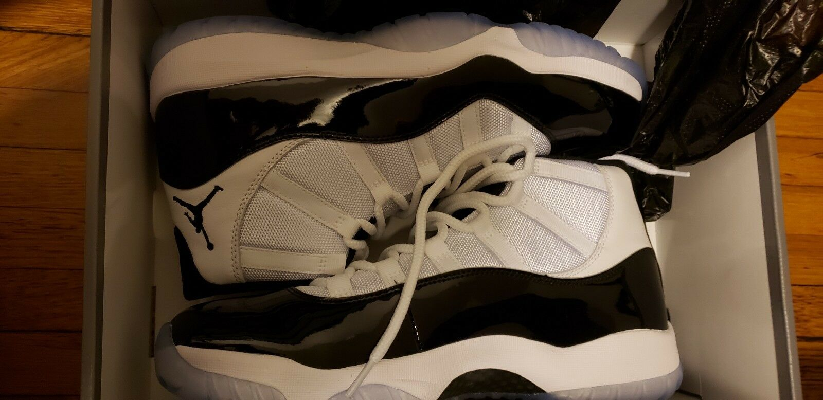 Air Jordan 11 Concord Retro XI OG White Black 378037  with a receipt from Nike
