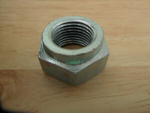 14-1307-TRIUMPH-T120-T140-TR6-TR7-BONNEVILLE-DRUM-BRAKE-REAR-WHEEL-SPINDLE-NUT