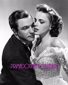 JUDY-GARLAND-8x10-Lab-Photo-1942-034-FOR-ME-AND-MY-GAL-034-Romantic-Embrace-Portrait