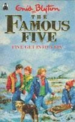 Blyton, Enid, Five Get Into A Fix: Book 17 (Famous Five), Paperback, Excellent B