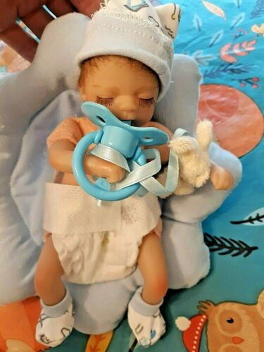 TINY 8 IN MICRO PREEMIE TWINS  MEMORY BABY TAKES A PACIFIER