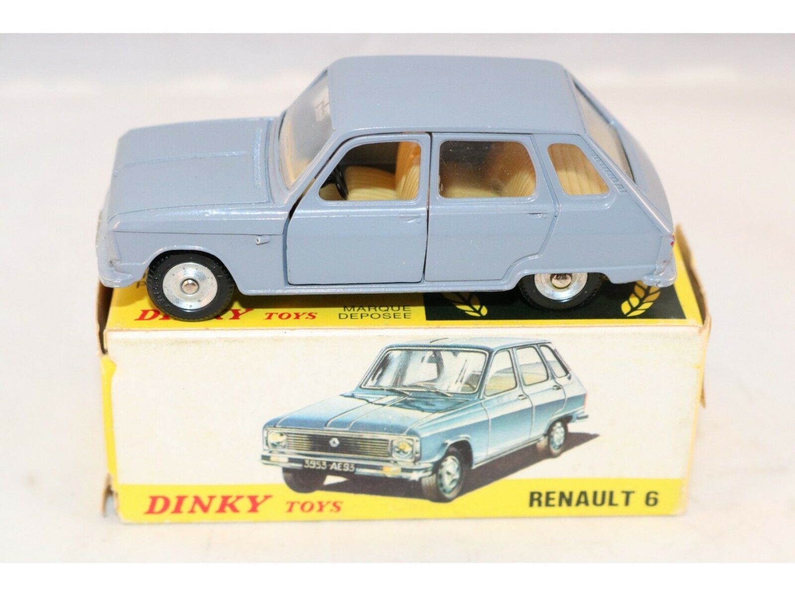 Dinky Toys 1453 Renault 6 Perfect mint in box difficult to find a beauty