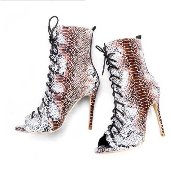 8141ed269a0416 ... les sandales de femmes sexy escarpins bottes à talon haut haut haut été  chaussures stiletto ...