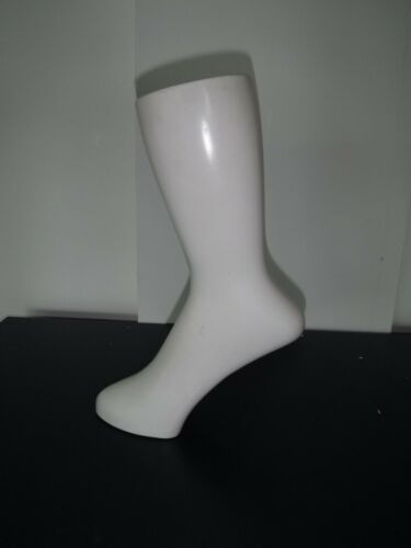 Quality white foot mannequin freestanding by ReBody bx29 126-6581//83