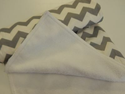 Bassinet Moses Basket Pram Capsule Baby Blanket Grey Chevron 90cm x77cm Minkee