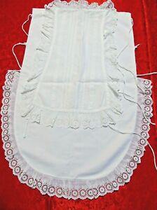 Porta cuscino battesimale vintage completo di vesti, cuffietta, manopoline