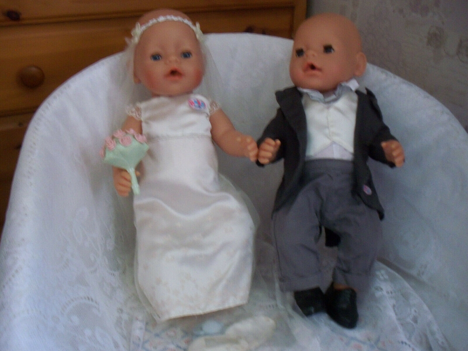 ZAPF CREATIONS BRIDE&GROOM 17 VINYL DOLLS DRESSED OUTFITS FOOTWEAR.ECT.VGC USED.