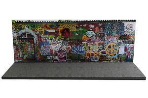 Diorama-John-Lennon-Wall-1-43eme-43-2-D-D-025