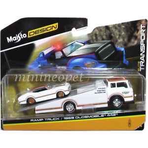 MAISTO-15055-18B-ELITE-TRANSPORT-RAMP-TRUCK-with-1969-OLDSMOBILE-442-1-64-WHITE