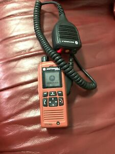 Motorola-MTP850-Ex-TETRA-806-870-MHz-UHF-GPS-Two-Way-Radio-With-Remote-Speaker