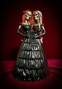 Skelamese-Twins-Skeleton-Siamese-Twin-Sisters-Figurine-Skulls-Day-of-the-Dead